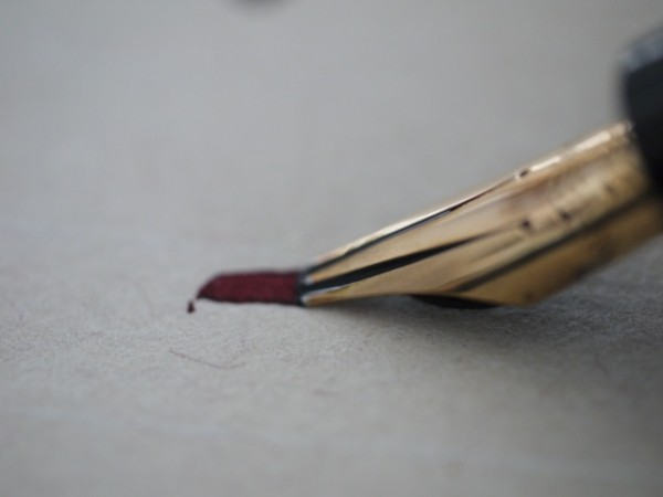 The nib keeps up with flexing, thanks to the generous flow
