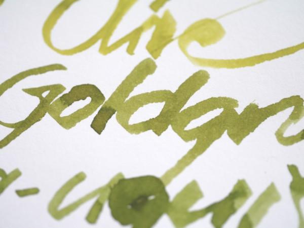 Vert Olive and Alt-Goldgrün